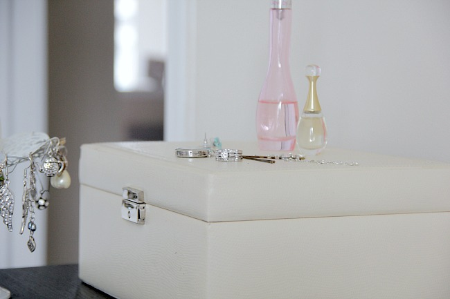 apartment jewelry