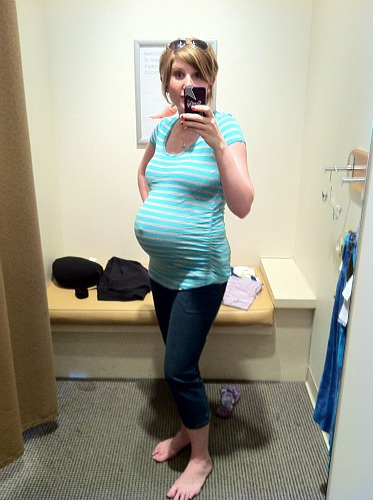maternity clothes trying on