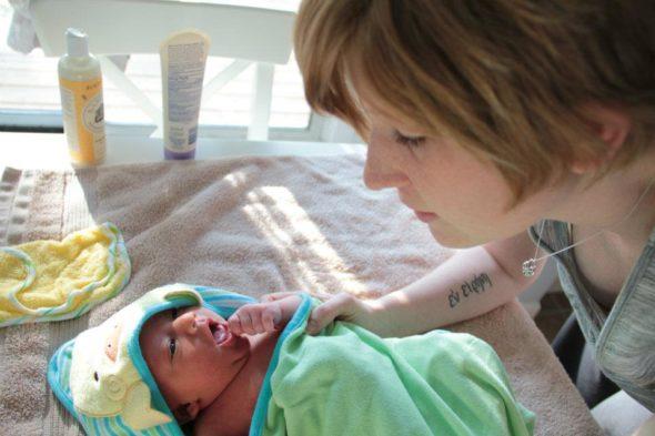 newborn bath time